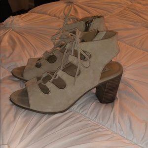 Steve Madden Nilunda Gilly lace up peep toe heels